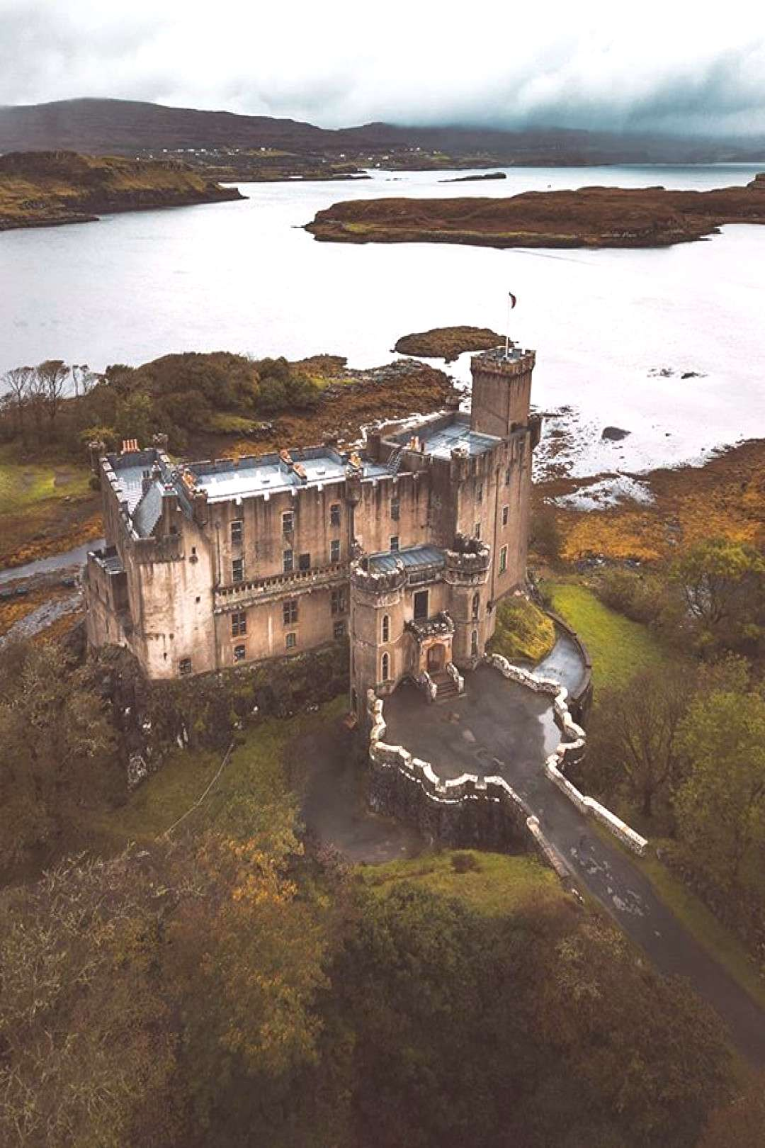 10 Scottish Castles Straight Out Of A Fairytale - TheFab20's 10 Scottish Castles Straight Out Of A