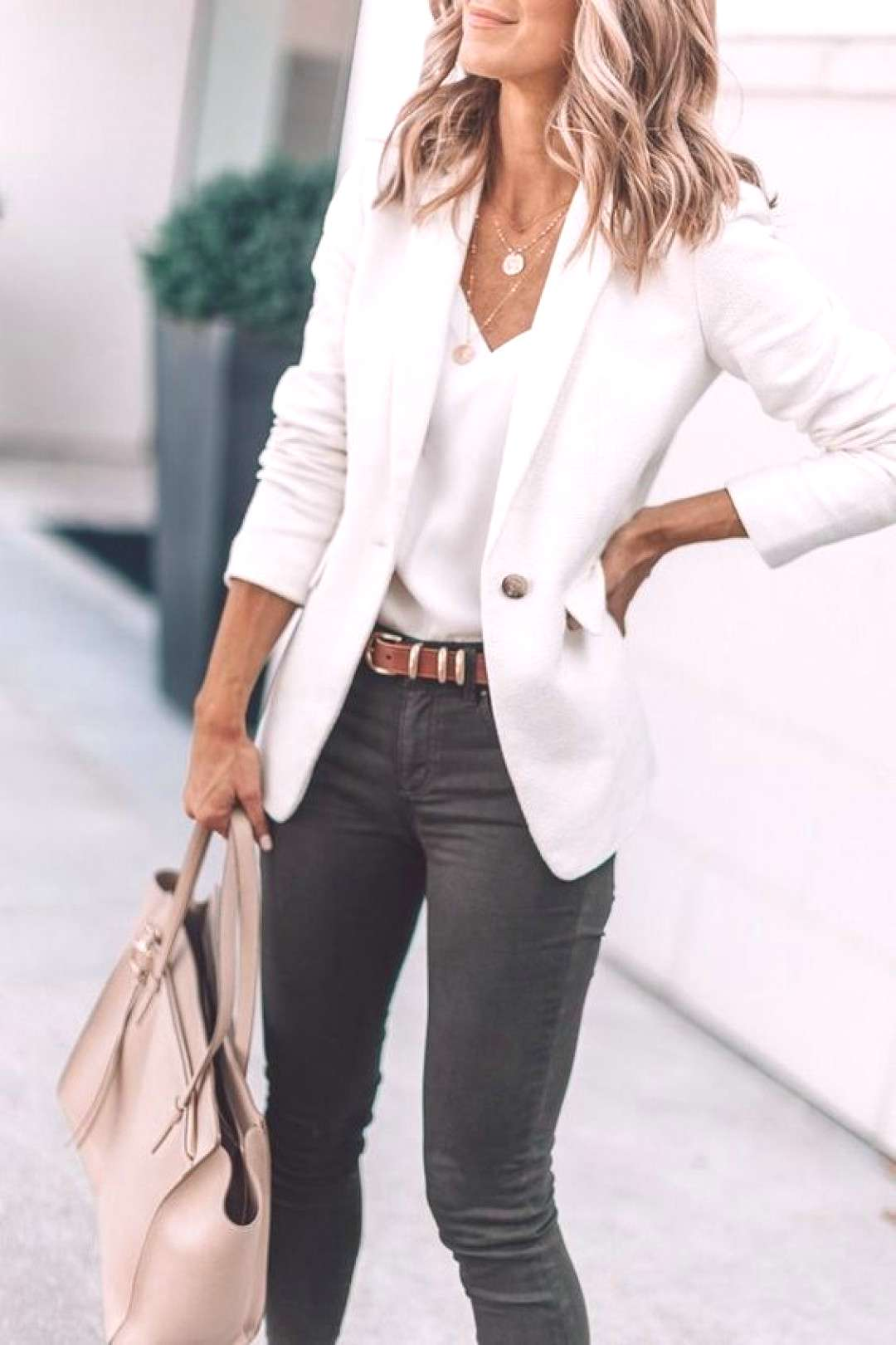 25 Amazing Work Outfit For Women In This Spring - Bafbouf