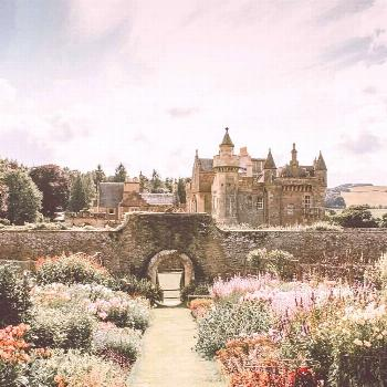 The Best Castles in Scotland Scotland is a country of ancient hills and green glens, of breathta