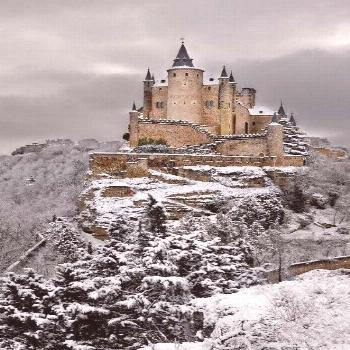 10 Spectacularly Beautiful Castles 10 Spectacularly Beautiful Castles!  This gorgeous castle is Alc