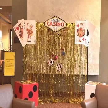 Las Vegas Photo booth  Las Vegas party theme oriental trading company has all the large game cards