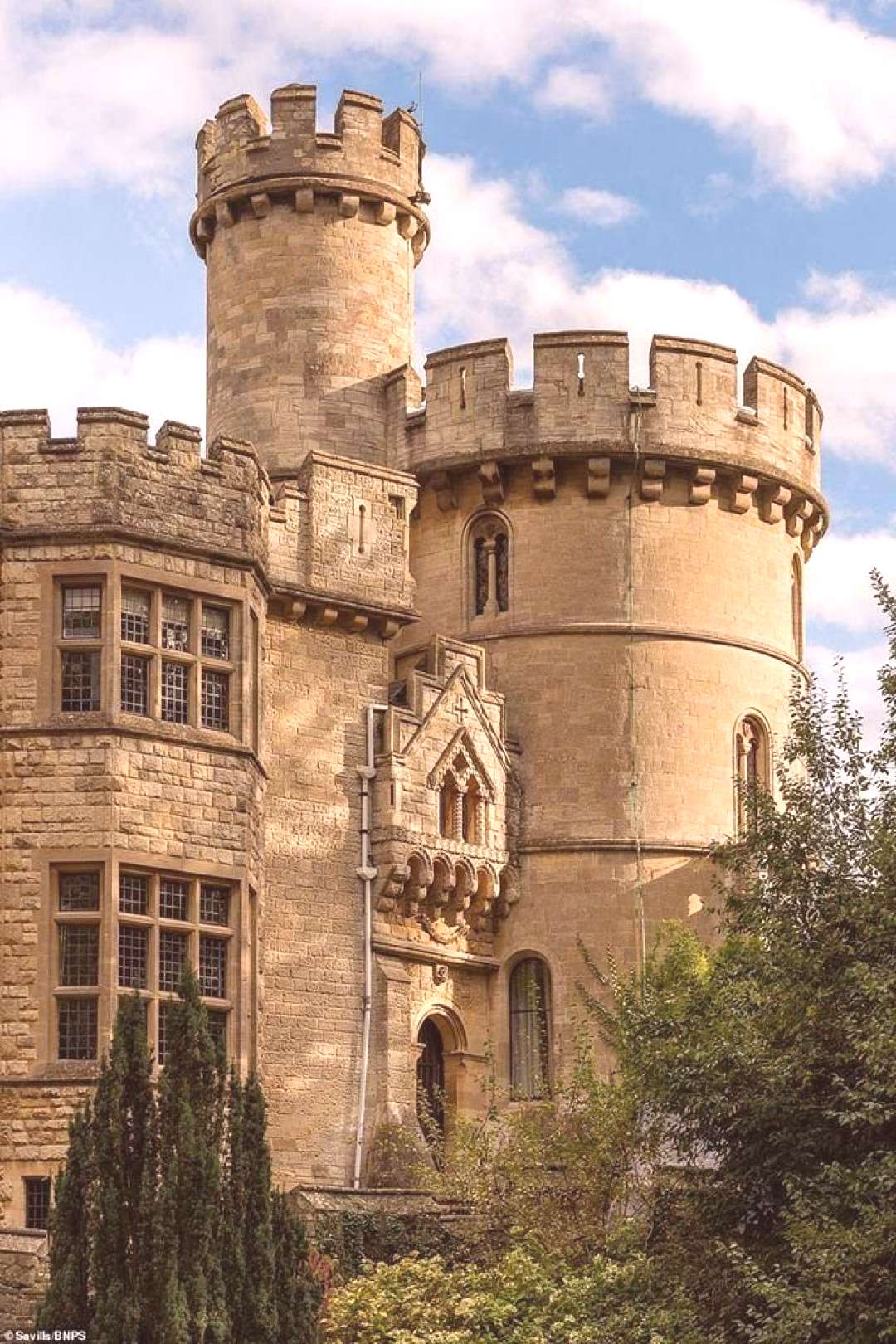 castles CLICK HERE 1080 Devizes Castle For Sale In Wiltshire England. $3,191,000.
