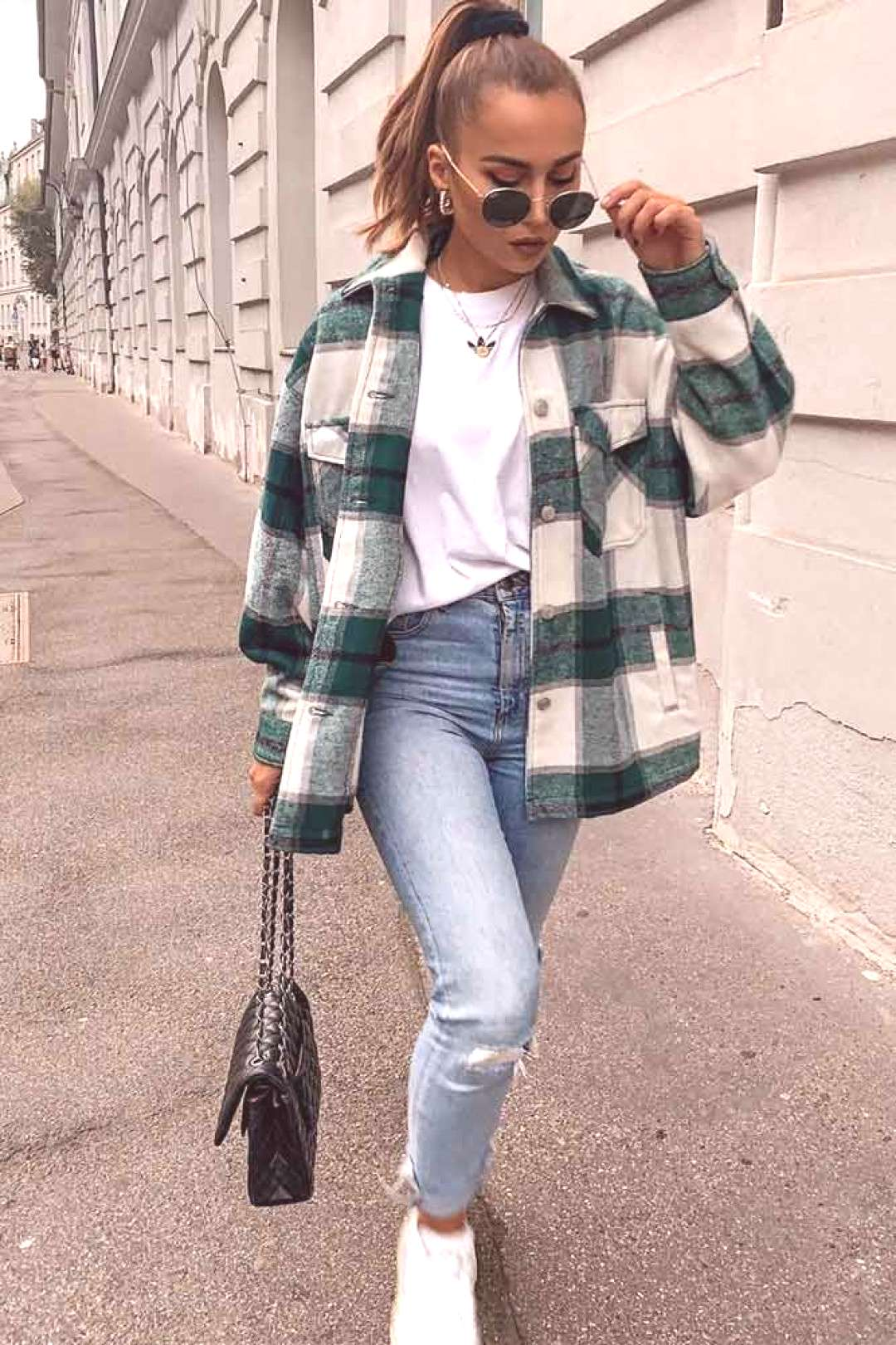 Comfy Fall Look With Flannel Shirt ★ When the fall knocks on your door, it is time to think about