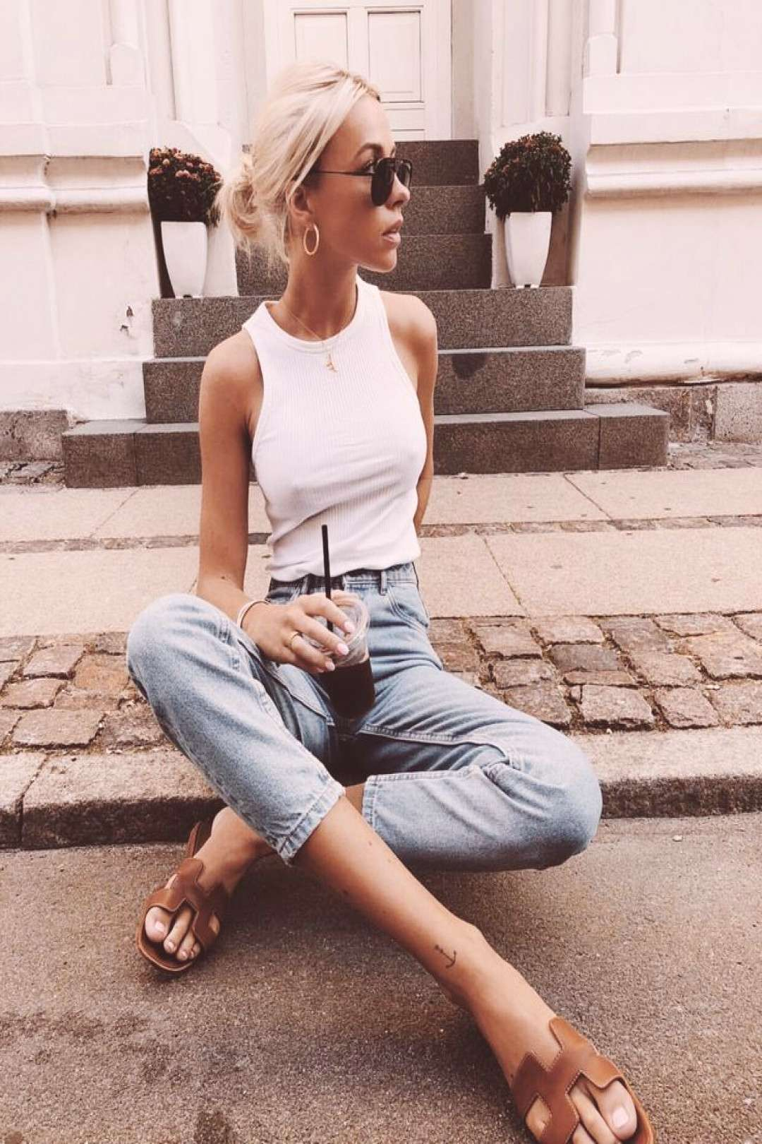 White tank, jeans, brown sandals - casual autumn outfit, spring outfit, ...#autumn